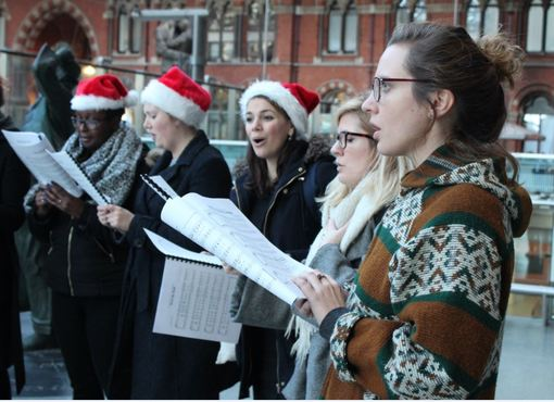 Join HMUK for festive carols and help us help musicians this Christmas